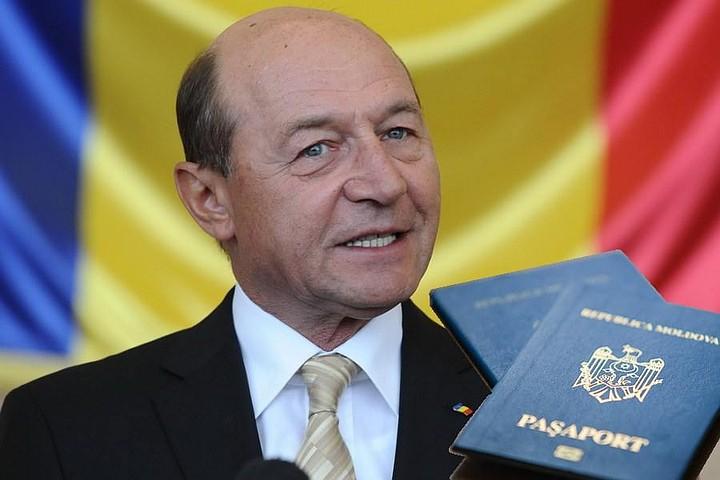 Майя Санду считает, что Траяну Бэсеску должно быть возвращено молдавское гражданство