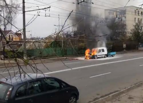 e2acac1621a7 (Видео. Фото) В Кишиневе на трассе загорелся автомобиль. Движение было  приостановлено