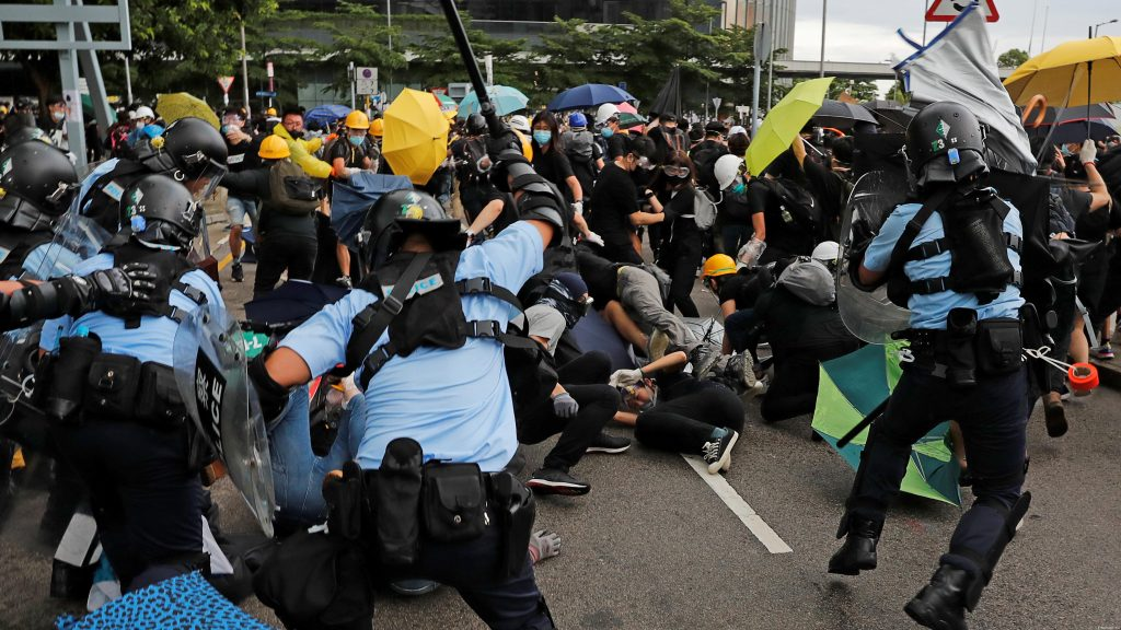 Google удалил более 200 YouTube-каналов из-за видео о протестах в Гонконге. Twitter приостановил работу 936 аккаунтов