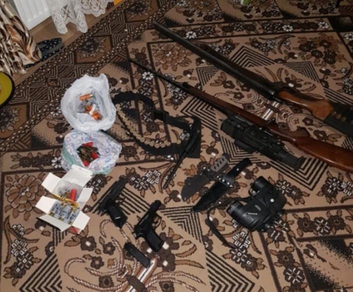 Преступная группировка вымогала у жителя Гагаузии крупную сумму денег, угрожая оружием