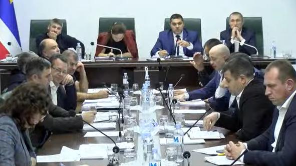 Яралов, Костя «борсетка» и «изнасилование демократами гагаузского парламентаризма». Как проходило обсуждение кадрового вопроса в НСГ
