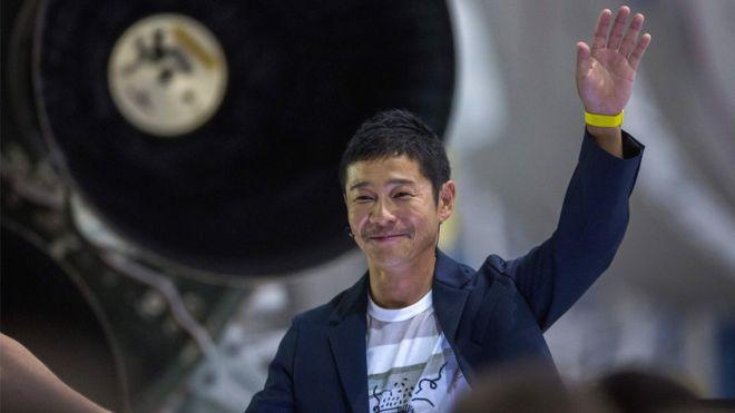 Японский миллиардер Маэдзава ищет женщину для полета на Луну