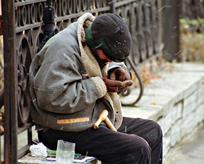 В Москве бездомный отсудил у сети фитнес-клубов более 140 тысяч рублей. Он купил абонемент, чтобы перезимовать