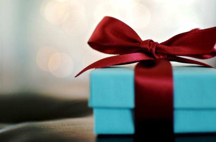 Молдавские чиновники смогут получать подарки на сумму не более 1000 лей в год