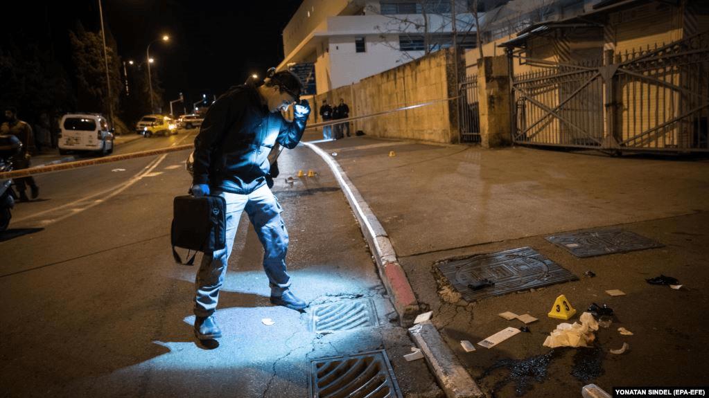 В Иерусалиме автомобиль врезался в группу израильских солдат