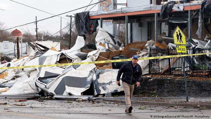 В штате Теннесси от торнадо погибли около 30 человек
